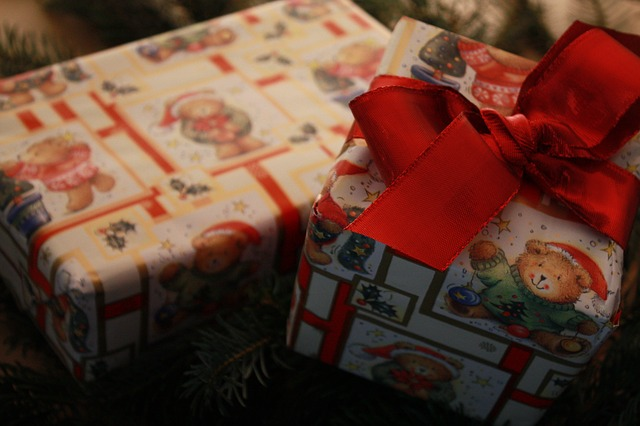 5 Reasons Why You Shouldn't Spoil Your Kids This Holiday Season